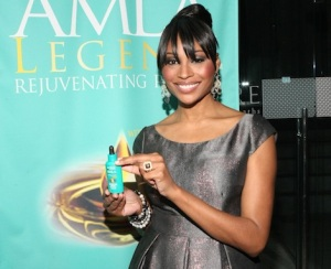 Cynthia Bailey Joins Forces with Optimum Salon Haircare to Launch AMLA Legend at AIRE Ancient Baths in New York City.  (PRNewsFoto/SoftSheen-Carson Laboratories)