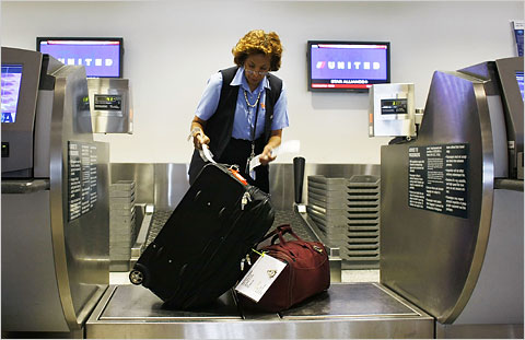 United Airlines To Expand Baggage Service?   Neechy